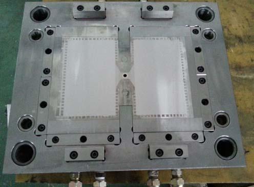 手机、电视导光板模具用钢STAVAX、FS633成功案例